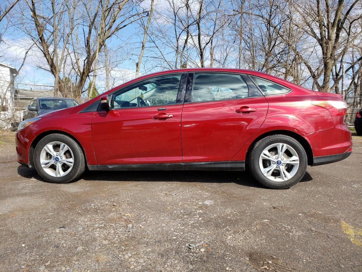 2013 Ford Focus Maroon