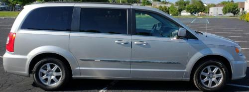 2011 Chrysler Town  Country Silver